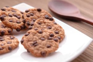 "Sugar-Free ""Oatmeal"" Chocolate-Chip Cookies"